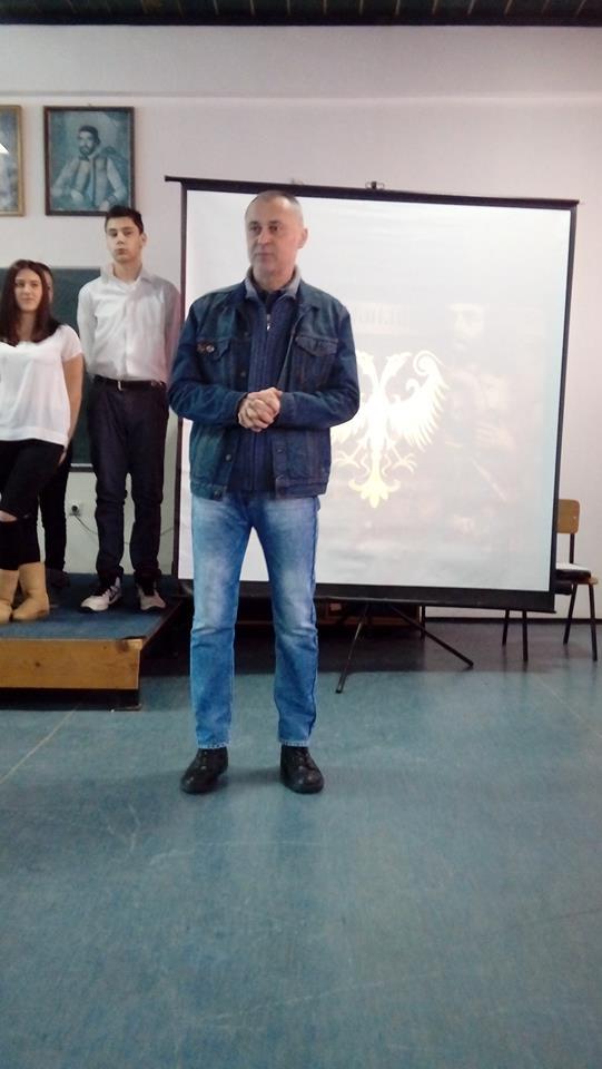 Директор школе Прф. Драган Поповић